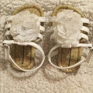 Very Cute WHITE FLOWER Velcro Toddler Sandals size